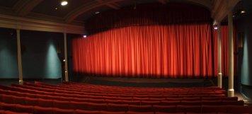 Η κρίση «σκοτώνει» το σινεμά